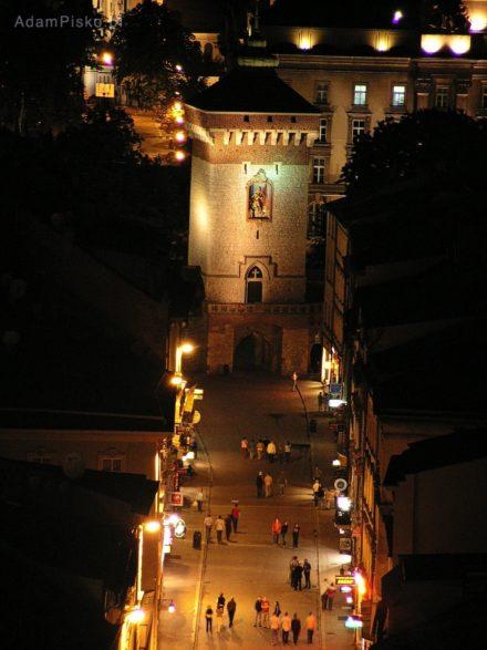 Kraków. Ulica Floriańska z Bramą Floriańską widziane z Wieży Mariackiej
