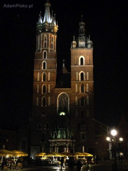 Bazylika Mariacka nocą